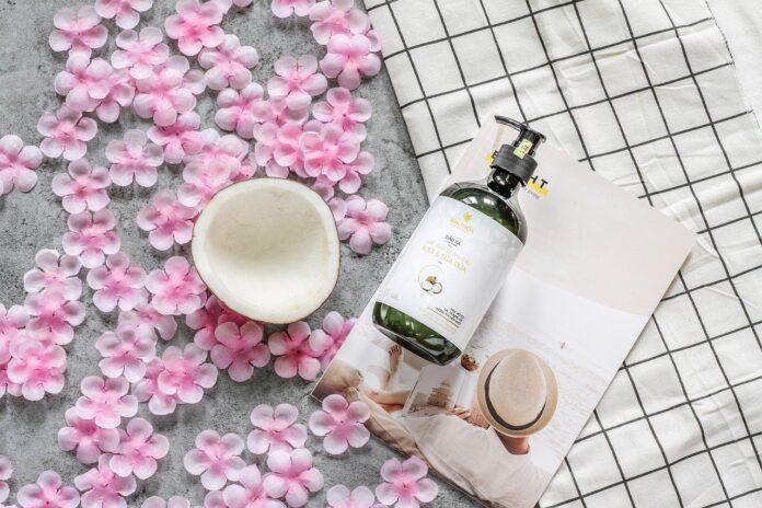 Wszystko o naturalnych kosmetykach do mycia i pielęgnacji włosów